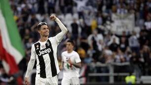 L'annuncio di Cristiano Ronaldo: «Resto alla Juve al 1000%»