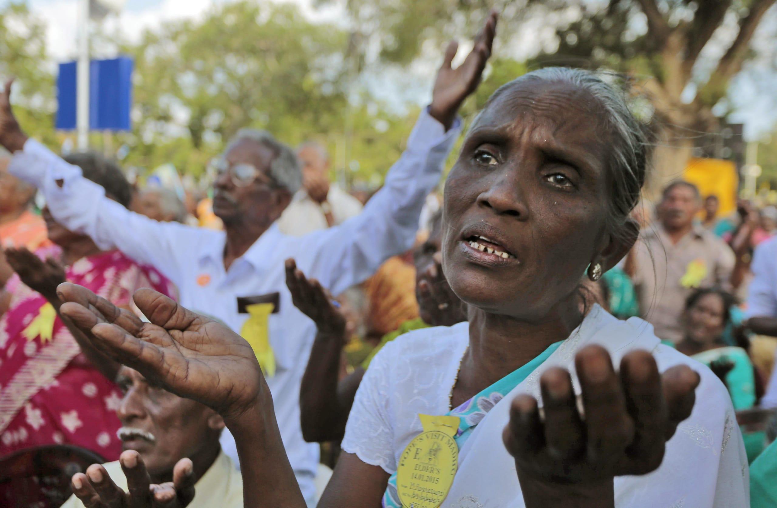 Sri Lanka, bombe contro chiese e hotel