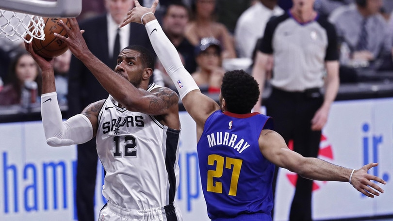 NBA Playoff, Belinelli e Spurs ko. Philadelphia: prima la rissa, poi la vittoria