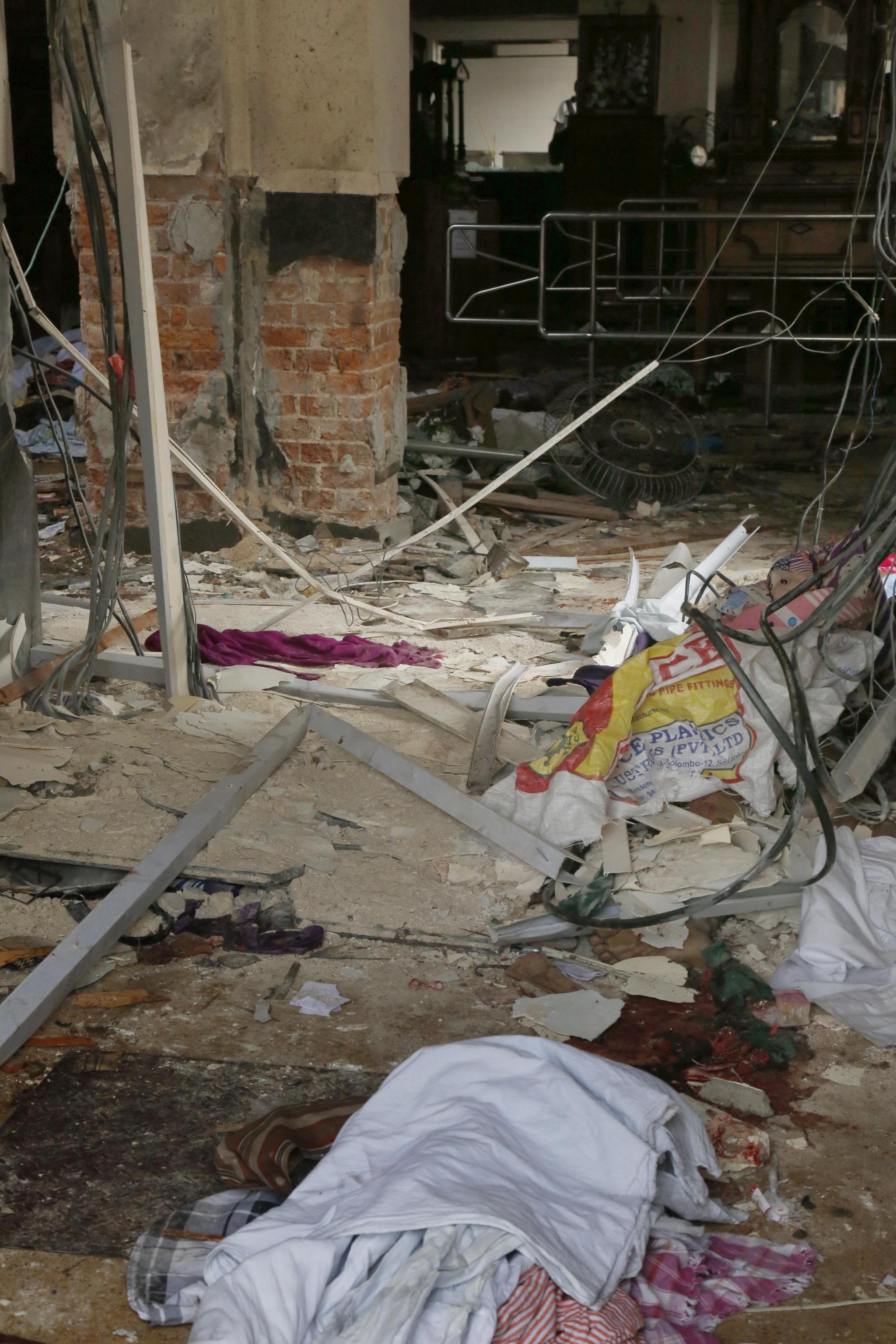 Sri Lanka: Papa, dolore violenza crudele