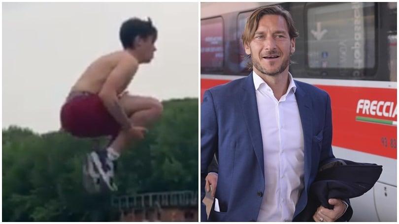«Le promesse a Totti vanno mantenute». Gabriel si tuffa nel Tevere per «Il Re»