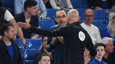 Sarri insultato dalla panchina del Burnley: «Italiano di m…»