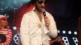 Higuain mascherato da Elvis Presley: che spettacolo alla festa di David Luiz!