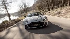 Aston Martin DBS Superleggera Volante: tutti gli scatti
