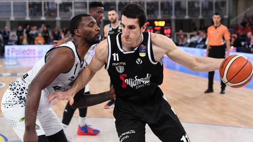 Basket, Serie A: Vitali sulla sirena consegna i tre punti a Brescia