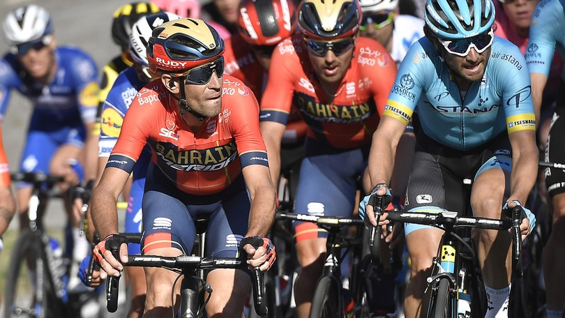 Ciclismo, Tour of the Alps: Nibali beffato in volata