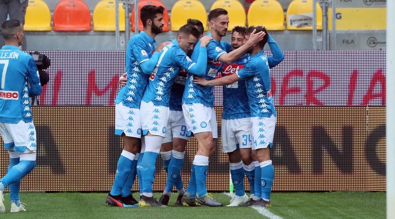 Frosinone-Napoli 0-2: Mertens come Maradona, magia Younes
