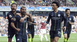 Premier League, il City torna in vetta. Arsenal a picco, pari tra United e Chelsea