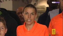 Stephanie Frappart nella storia, prima donna ad arbitrare in Ligue 1