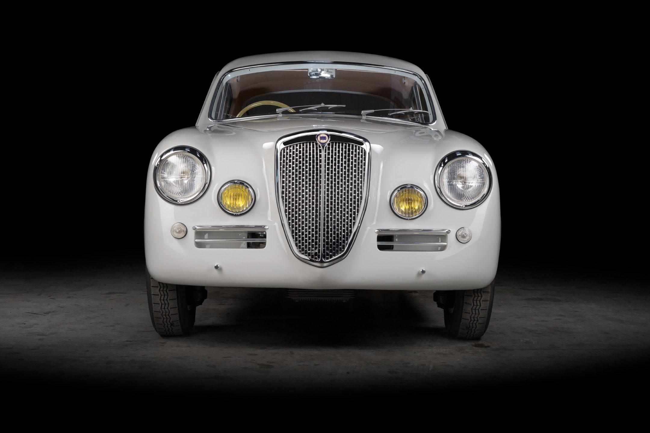 Lancia Aurelia 1953, prima e dopo il restauro: le foto