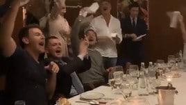 Roma, Totti scatenato alla festa per Ilary!