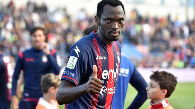Serie B Crotone, ufficiale: Simy rinnova fino al 2022