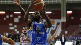 Basket, playoff A2: Orlandina stende Ravenna e passa il turno