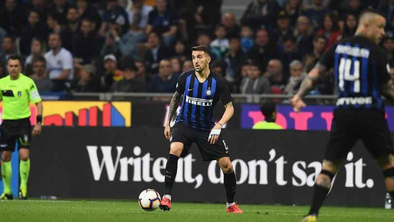 Inter, Vecino out dai convocati per Udine: contrattura al retto femorale