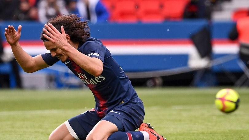 Ligue 1, Cavani sbaglia il rigore nel recupero: PSG-Nizza finisce 1-1