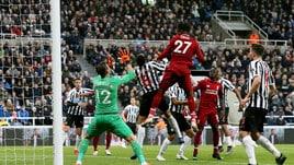 Premier, Liverpool: vittoria solo nel finale, ma si fa male Salah