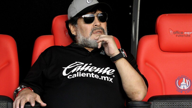 Maradona saluta Reyes: