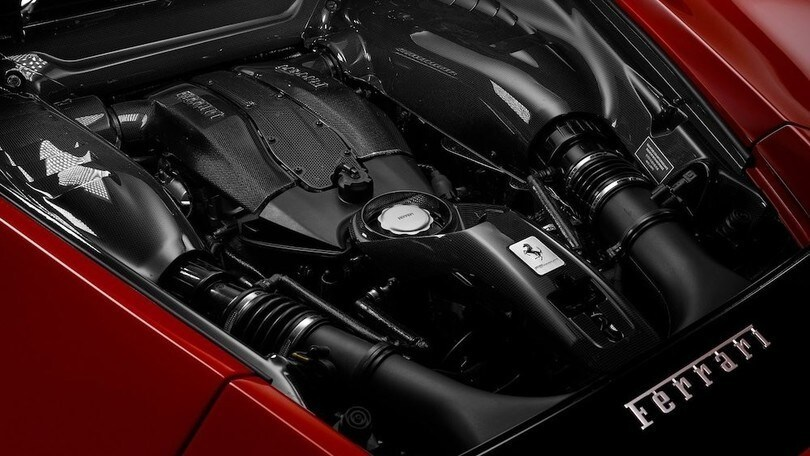 Ferrari, a fine maggio arriva l'ibrido