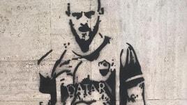 Roma, il tifoso laziale pazzo di De Rossi. E spunta anche un murales