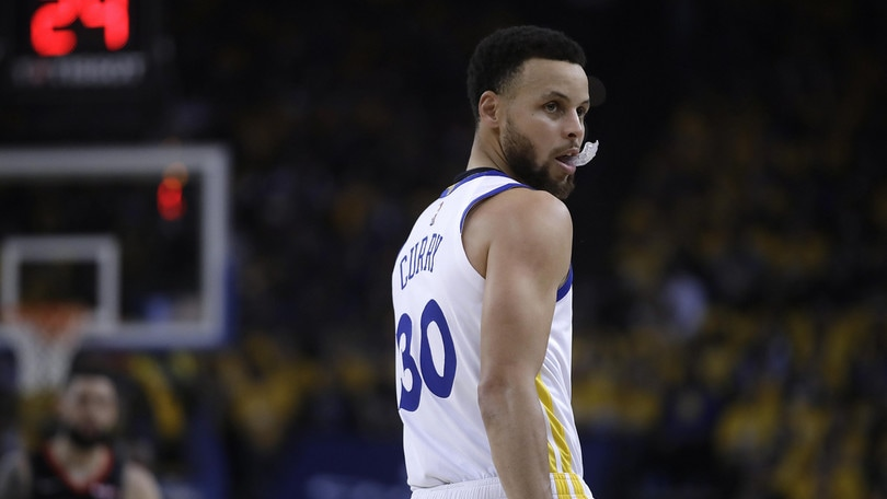 NBA Playoff: Curry show, Golden State in finale di Conference