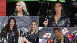 Superbike, le ombrelline incantano Imola