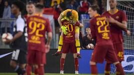 Roma, le foto più belle della festa all'Olimpico: Cristiano Ronaldo in ginocchio