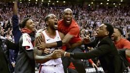 NBA Playoff: incredibile canestro sulla sirena, Toronto in finale. Avanti anche Portland