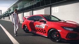 Button da record con la Honda Civic Type R: VIDEO