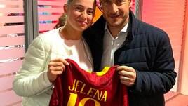 Roma, Ostapenko incontra Totti: «Che onore, Francesco è una leggenda»