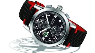 Eberhard & Co Quadrifoglio Verde   Le foto dell'orologio per Alfa Romeo