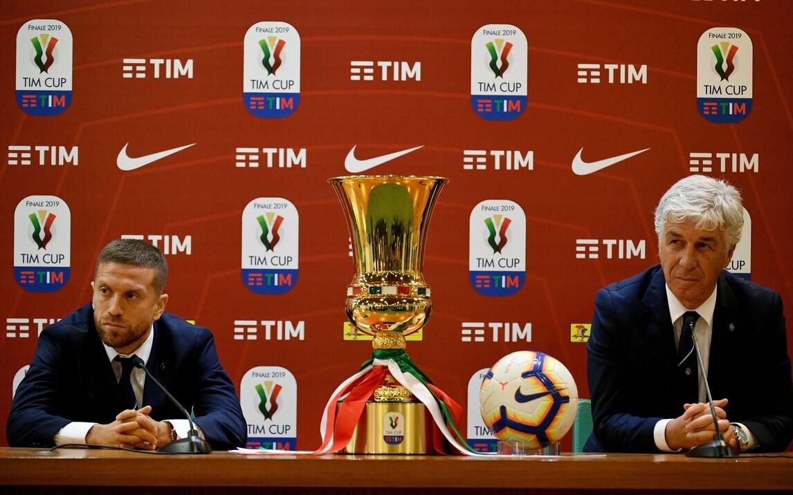 Gasperini-Gomez, che eleganza in conferenza stampa