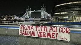 Roma, prosegue la contestazione dei tifosi. Striscione a Londra contro Franco Baldini