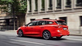 Ford Focus ST diventa wagon con Ecoblue Diesel e benzina EcoBoost