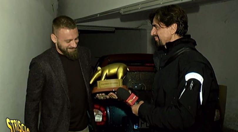 De Rossi riceve il Tapiro d'oro:«Ci sono rimasto male»