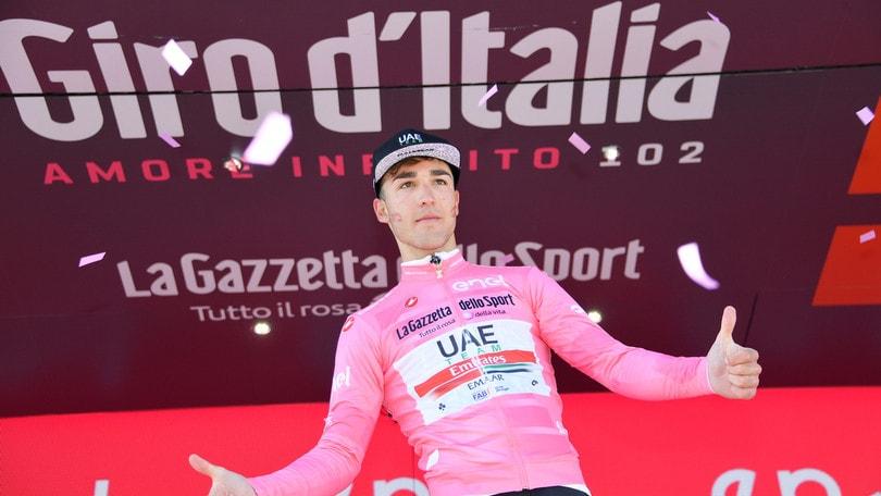 Valerio Conti nuova maglia rosa al Giro d'Italia. Sesta tappa a Masnada