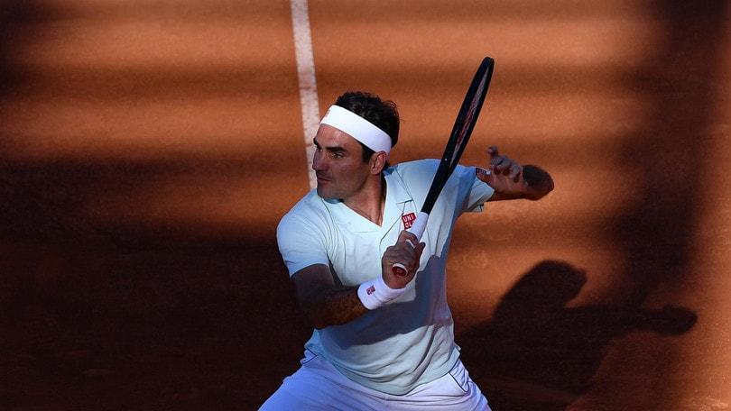 Federer batte Coric al tie-break e vola ai quarti degli Internazionali