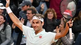 Il ruggito di Federer: annulla due match-point a Coric e si prende i quarti