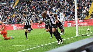 """L'Udinese """"vede"""" la salvezza: Okaka e Samir fanno esplodere la Dacia Arena"""