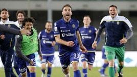 Playoff, Verona-Perugia 1-1 (4-1 dts): Empereur e Pazzini regalano la semifinale con il Pescara