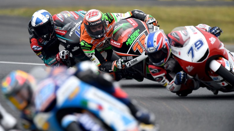 Le Mans, McPhee vince davanti a Dalla Porta in Moto3