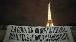 """De Rossi, altro striscione contro la proprietà a Parigi: """"Con voi senza futuro"""""""