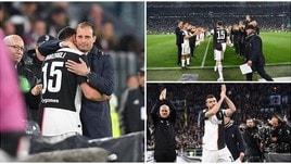 Barzagli saluta la Juventus e scoppia in lacrime tra le braccia di Allegri