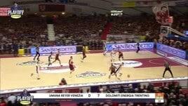 Umana Reyer Venezia - Dolomiti Energia Trentino 67-57
