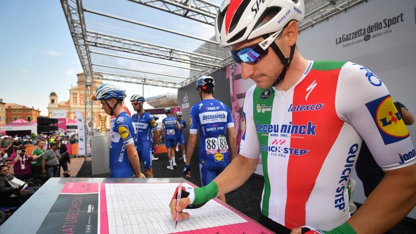 Viviani abbandona il Giro d'Italia