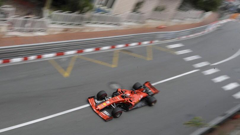 Gp Monaco, Vettel contro le barriere durante le terze libere