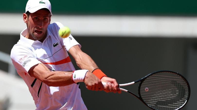 Djokovic batte Caruso e accede agli ottavi del Roland Garros