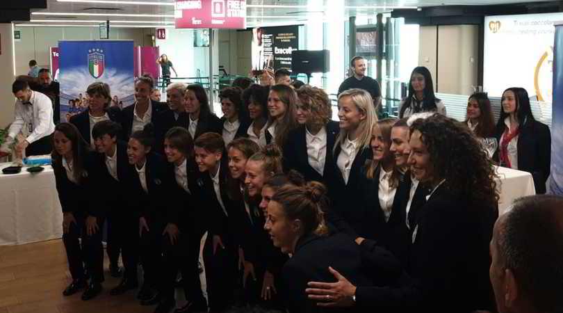 Mondiali femminili, festa per l'Italia alla partenza