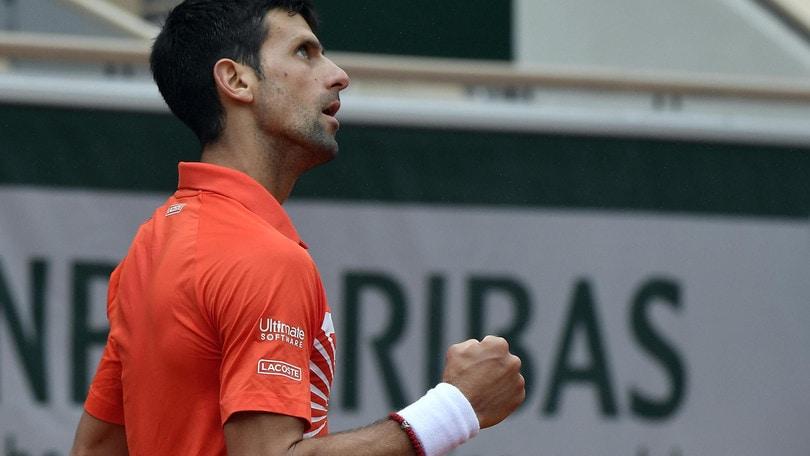 Djokovic avanza ai quarti di finale del Roland Garros