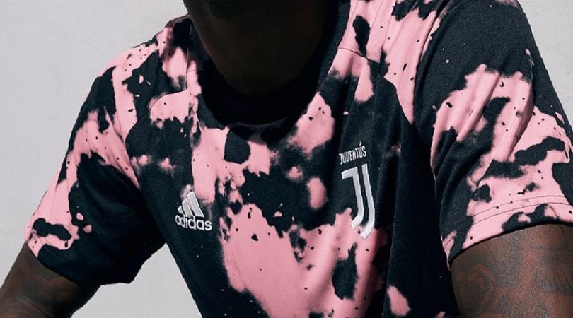 Juventus, ecco la nuova maglia pre-match