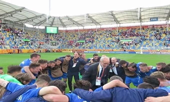 L'urlo dell'Italia U20 dopo la vittoria con la Polonia